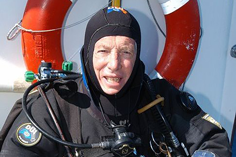 Oldest decompression diver