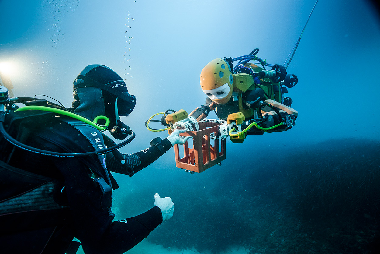 First robotic diver