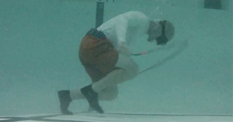 Underwater rope jumping